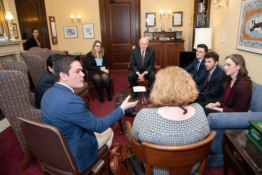 Senator Leahy Receives 'Congressional Intern Champion Award